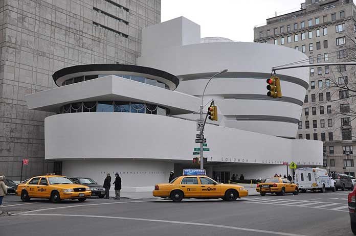 Frank Lloyd Wright New York Guggenheim Museum design